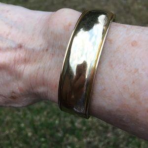 Vintage 1950's 10k gold filled bangle bracelet.
